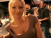 Парень лижет женщине киску порно видео