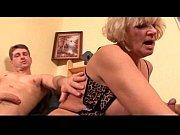 Порно с вибратором застрявшем в жопе