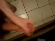 Видео мужик целует бабе сиськи
