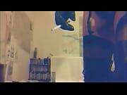 Порно брат трахает свою старшую сестру и кончает ей в киску видео