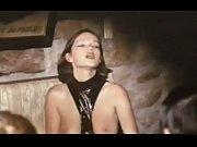 Секс хозяйки с прислугой в ванной