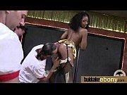 Строгая госпожа унижает раба видео