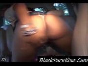 Женщина топчет мужика показать видео