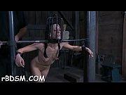 Порно фильм как папа трахает дочку пока мама спит