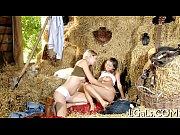 Русское порно видео мама с дочкой и страпон