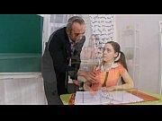 Порно видео молодых девушек взрослые дяди