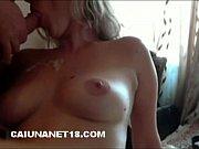 Loira pagando boquete delicioso pro marido
