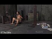 Секс видео подглядывал за мачехой в душе