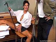 Красотка делает анальный массаж парню