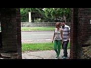 Девка стала раком и срет на подругу видео онлайн