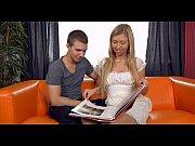 Смотреть девка дрочит на веб камеру