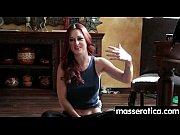 Русская сестра просит брата сделать массаж