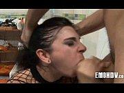 Видео секс с молодой торчащей грудью