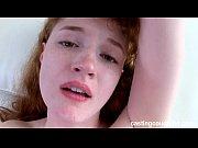 Мужик трахает в ванной девушку