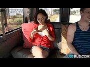 Секс с длинноногой брюнеткой в грозу видео