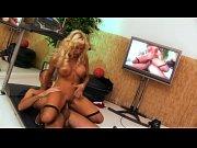 порновидео женщина моет рыжую волосатую пизду крупно