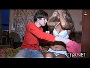 фото как парень трахнул девушку и кончил ей на лицо