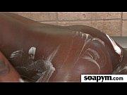 Две русские телки принуждают парня лизать свои вагины