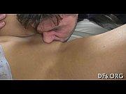 мужики кончают девкам прямо в письки порно видео