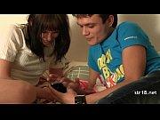 Брат трахает сестру видео дома