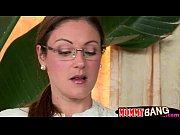 Видео студентка с училкой которая в очках в классе студентка студентка и парень