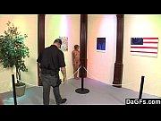 Порно-видео молодой парень трахает бабулю