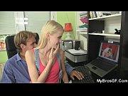 Инцест русский мальчишка ебет мамку раком