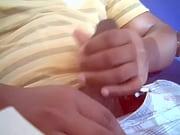 Девушка засунула себе в жопу крапиву