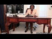 Смотреть жена сосет под столом