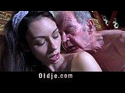 Зрелая дама с огромной грудью в порно