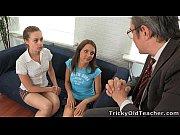 Эротические ролики старшая сестра учит младшего брата
