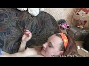 Девушка ругается матом и мастурбирует