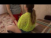 Смотреть порно в хорошом качестве девка засовывает себе руку в пизду