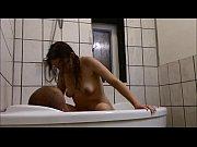 Русская госпожа ссыт рабу в рот порно видео