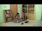 Девушки заставляют сосать свой секель
