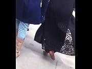 Смотреть видео молодая мать в короткой юбке без трусиков а дочка смотрит