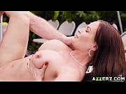 Порно брат кончает волосатую сестру