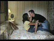 Порно парень возбудил девушку и трахнул ее