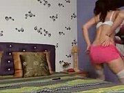 Красивая азиатка любит смотреть порно онлайн и трогать свою киску