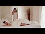 Видео голая девушка приседает со штангой