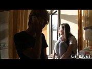 Видео вчетвером ебут взрослую женщину