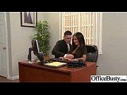 Видео как мужчина и женщина занимаются сэксам