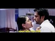 Kareena Kapoor Kiss - www.smsxx.blogspot.com.flv, www saudiarɗbiya sɗx ɓomtress sexn sex 1kb Video Screenshot Preview