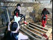 Молодая девушка нюхает мужские трусы которые все в сперме видео