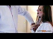 Транс трахает девушку с большой грудью