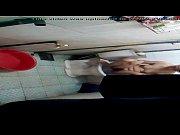 Видео девушки в вязаных платьях на голое тело