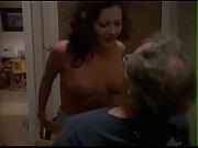 Порно видео пьяную девку ебут в туалете в клубе раком