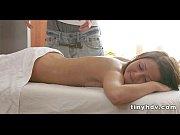 Девушки мастурбируют через трусики видео онлайн