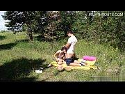 Порно видео отец воспользовавшись случаем трахнул подругу сына