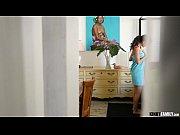 Порно служанка наказана аналом